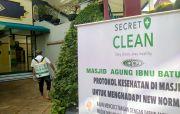 Agar Ibadah Aman dan Nyaman, Secret Clean Semprot Masjid Ibnu Batutah