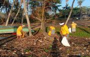 Umanis Galungan, Trash Hero Bersihkan Sampah Pantai di Gianyar