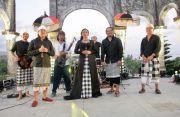 Dewa Budjana Dkk Live Tapping Nyanyian Dharma di Taman Ujung