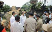 Pohon Kepuh Ratusan Tahun Tumbang Timpa Tembok Pura Dalem di Gianyar