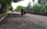 WASPADA! Jalan Denpasar – Gilimanuk Kian Banyak yang Berlubang