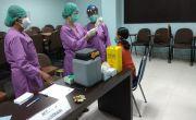 Usai Disuntik Vaksin Covid-19, Nakes di Gianyar Alami Pusing-pusing