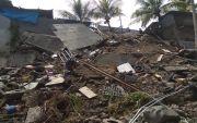 Terkikis Air Sungai, Senderan Bengkel Motor di Padangkerta Ambles