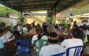 Kesampingan Paruman, Warga Adat Liligundi Geruduk Kantor Desa Bebandem