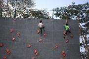 Atlet Panjat Tebing Berebut Tiket PON, Fokus Latihan di Alit Saputra