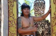 Angkat Tradisi Megebeg-gebegan,Penyanyi Pop Bali Tu Leong Rilis Single