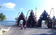 Libur Lebaran Kunjungan ke Pantai Melasti Ungasan Meningkat Tajam