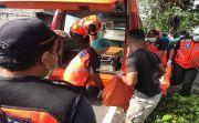Hantam Mobil Parkir Pinggir Sungai, Mr X Tewas dan Hanyut Hingga 1 KM