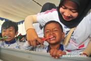 Menyikat Gigi Tekan Bau Mulut