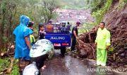 Tabing Longsor, Jalan Penghubung Dua Desa Lumpuh Total