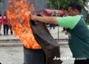 Karyawan RSU Al-Rohmah Dilatih Tangani Kebakaran