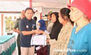 BPJS Kesehatan Serahkan 177 KIS untuk Warga Pesanggaran