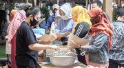 Dirikan Dapur Umum hingga Bantu Guru PAUD