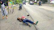 Diserempet Mobil, Tuna Wisma Terkapar di Pinggir Jalan