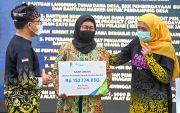 Gubernur bersama BPJamsostek Serahkan Bantuan Subsidi Upah
