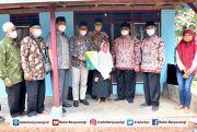 Baznas Serahkan Bantuan Bedah Rumah untuk Warga Glagah