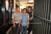 Dibacok Anak, Bapak Dilarikan ke Surabaya