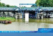 Pintu Air Kuro Dibuka, Percepat Pembuangan Banjir di Bengawan Jero