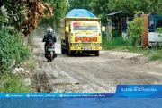 Kerusakan Jalan Akibat Penambangan Pasir Kian Meluas
