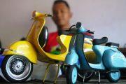 Tangan Kreatif Fatkhurrohan Ubah Sampah Kaleng Jadi Minatur Kendaraan