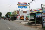 Minimarket di Jombang Menggurita, Empat Bangunan Tiap Dua Kilometer