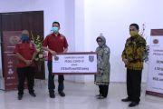 PT Sumber Graha Sejahtera Sumbang 4.750 Set APD ke Pemkab Jombang