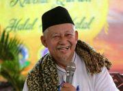 KH Sulthon Abdul Hadi, Kiai yang Mahir Berbahasa Inggris