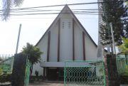 Jatuh Bangun Gereja Katolik Santa Maria Jombang