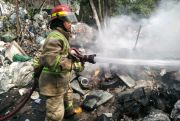 Gudang Rongsokan di Sumobito Ludes Terbakar