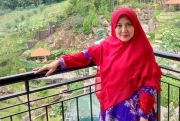 Emy Wahyuni Purnamawaty: Penuh Syukur dan Rutin Konsumsi Madu