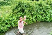 Ketika Pemuda Desa Peduli Sungai, Cari Ikan tanpa Setrum dan Potasium