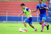 Pemain Persik Tetap Asah Feeling Bola