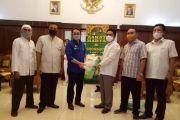 Keluarga Besar H. Imam Mukhayat Syah Berzakat Mal Rp 4,4 Miliar