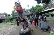Hari Peduli Sampah di Kediri: Buat Barongsai dari Sangkar Burung Bekas