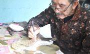 Subroto, Warga Plosoklaten 60 Tahun Geluti Kerajinan Wayang Kulit