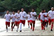 6 Kilo Lari di Pasir Pantai Prigi, Pemain Persik Asah Daya Tahan