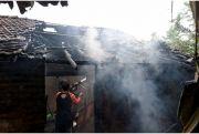 Lupa Matikan Tungku, Rumah Milik Mudji di Ploso Terbakar