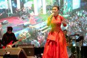 Yuni Shara Sapa Warga Blora dengan Lagu Cinta dan Perjuangan
