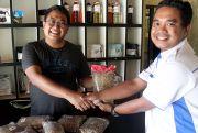 Jelang Festival Kopi, Petani Serahkan Biji Kopi untuk Dicupping