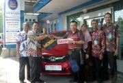 Nasabah Loyal TamadesPD BPR BKK KudusTerima Honda All New Brio