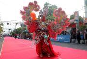 Ikuti Fashion Show Batik Tulis Lasem, Aksi Kepala OPD Pukau Penonton