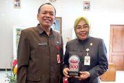 Pemkab GroboganRaih Penghargaan Smart Environment