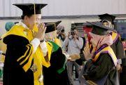 Wisuda 825 Mahasiswa, Sarjana UMKU Harus Bisa Ciptakan Lapangan Kerja
