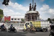 Pemasangan Patung Kuda-Gerobog di Grobogan Akhirnya Rampung