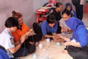 PIKK PLN Tanjung Jati B Bekali Warga Binaan Keterampilan Merajut