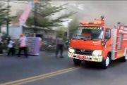 Tiga Damkar Dikerahkan Tangani Kebakaran Toko Mebel Jalan Kartini