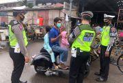 Satlantas Polres Jepara Blusukan dan Bagi Masker Cuma-cuma