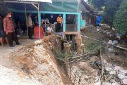 Longsor Rusak Rumah di Bantaran Kali Temboro Blora