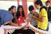 Latih Pemuda Belajar Membatik