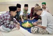 Kepungan Tumpeng Sambut Ramadan